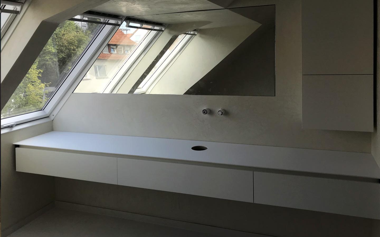 Projekt Korb / Remstal Badmöbel aus Corian mit Spiegel