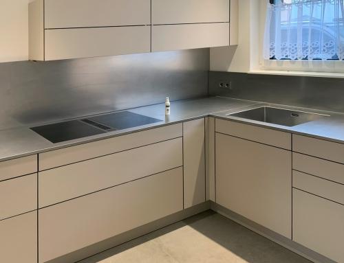 Projekt Korb Küche mit Edelstahlarbeitsplatte